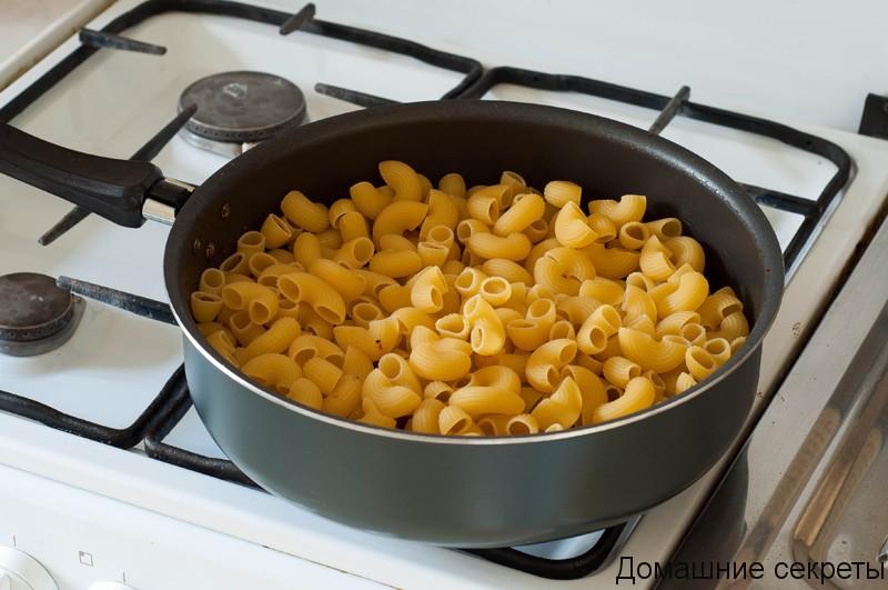 Что приготовить из грудки и макарон