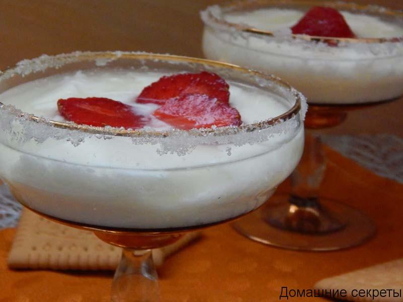 десертасамые вкусные десерты - это десерты с фруктами или ягодами, дополненные взбитыми