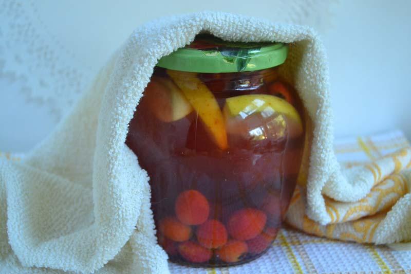 Компот из яблок, винограда и боярышника - рецепт пошаговый с фото